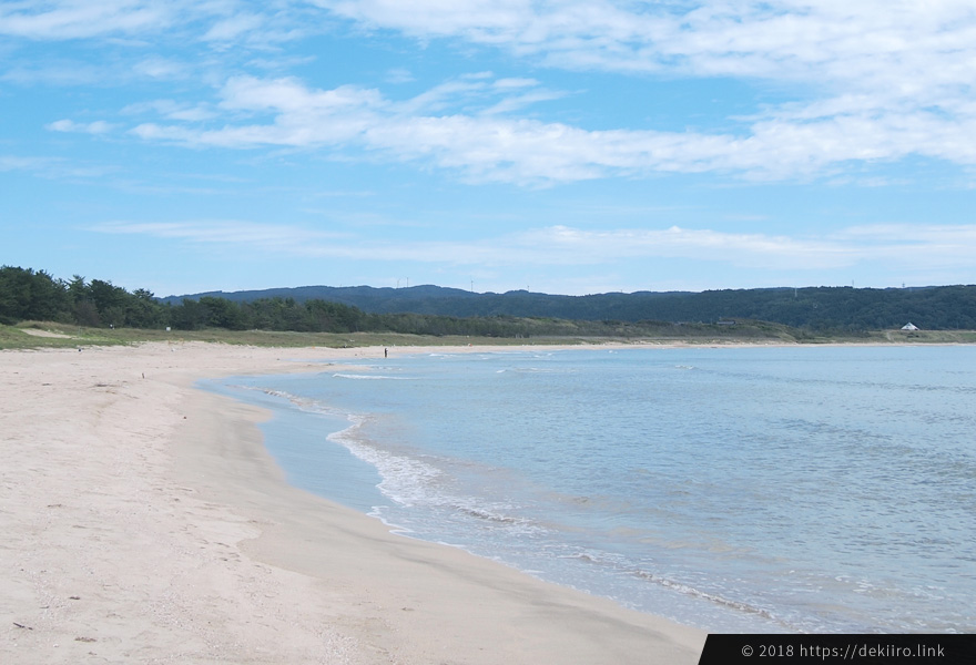 自然豊かな能登・増穂ヶ浦海岸の波打ち際