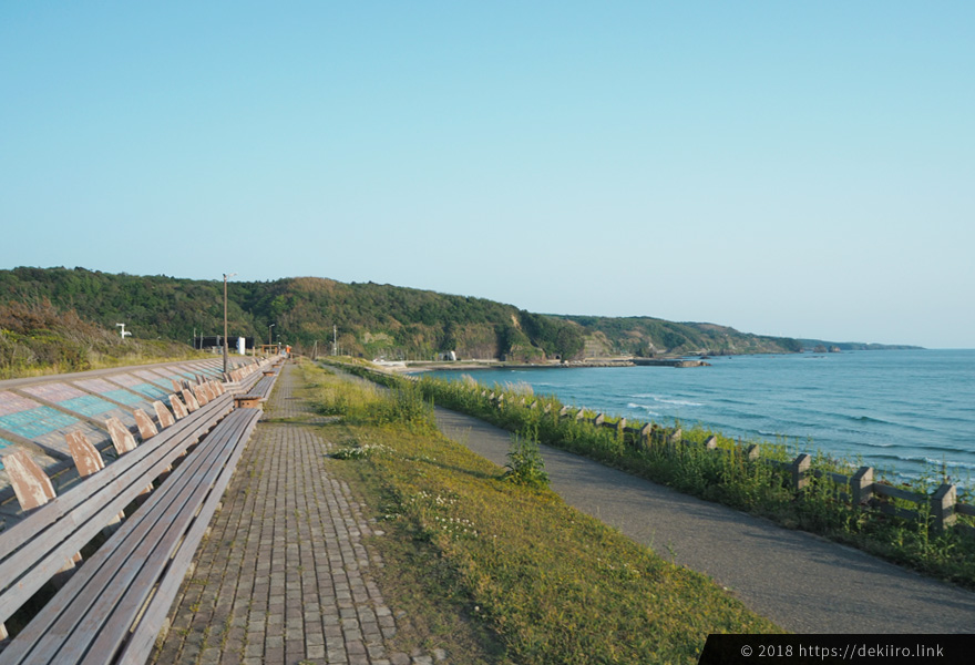 増穂ヶ浦海岸・世界一長いベンチ