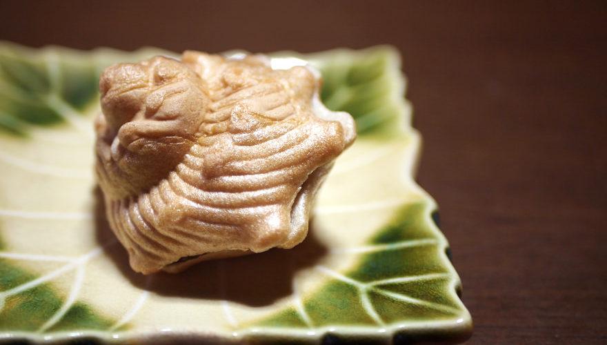 富来の絶品銘菓、宮本菓子舗の「さざえ最中」