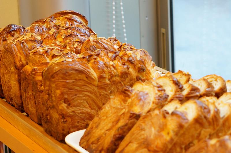 牛乳クルミ食パン