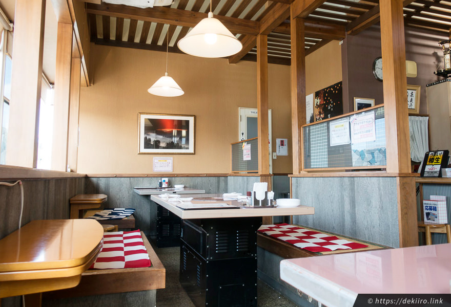 志賀町富来の焼肉屋「花よし」の店内雰囲気